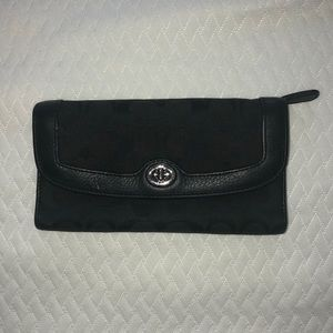 Coach Trifold Wallet - Great Condition!